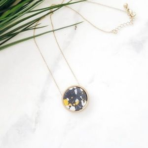 Jewelry - Marbled Circle Pendant